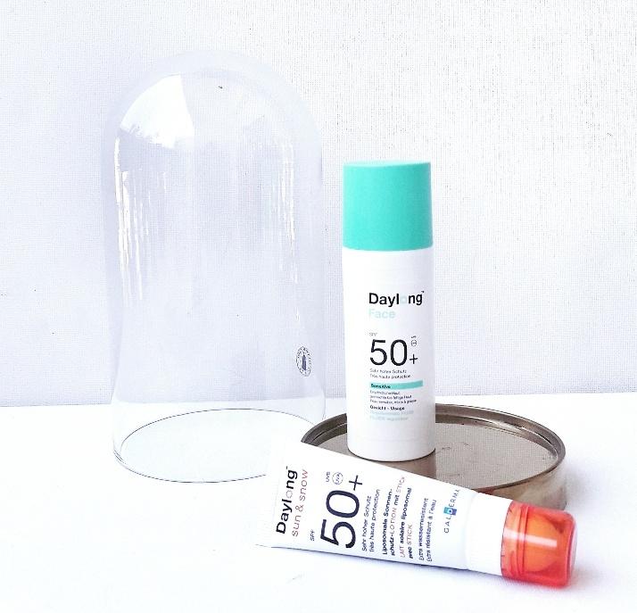 Daylong, fluide régulateur sensitive SPF50+. Une protection solaire conçue sous forme de soin quotidien grâce à sa formule sébo-régulatrice qui garantit un effet matifiant longue durée, sans regraisser. Son +, sa texture ultra légère qui matifie la peau pour un effet anti-brillance.