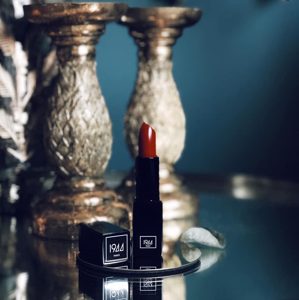 Rouge à lèvres 1944
